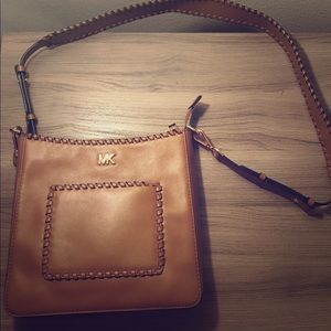 Cognac Michael Kors messenger bag